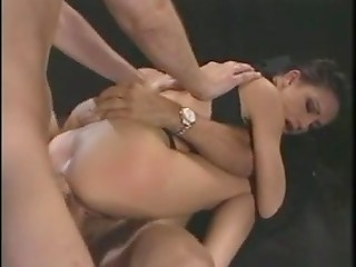 Taylor Rain likes that anal threesome