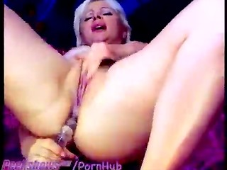 Blonde MILF performed double self-fuck with variety of her sex-toys including dildos
