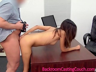 Latin chick gets cunny creampied by casting agent