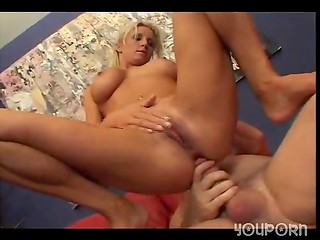 Blonde MILF TJ Hart loves anal penetration