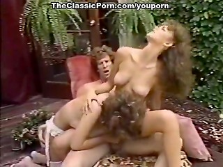 Hot vintage threesome in the garden