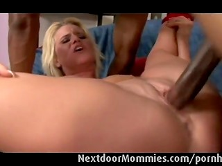 Mature blonde gets facialized by Ebony man who doesn't care what to fuck