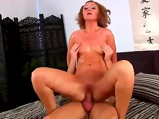 Mature woman has sex with horny enthusiastic fucker thinking about her young years