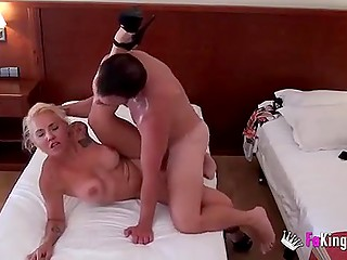 Hidden camera in hotel room captured young man drilling pussy of lush blonde Latina