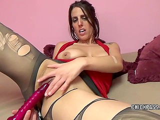 Smoking-hot MILF tears pantyhose and begins to masturbate bald pussy with vibrator