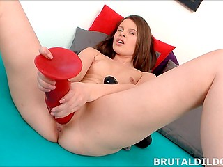 Pretty girl dislikes small sizes that's why she masturbates with giant rambones only