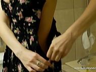 Самочка с тёмными волосами Dana DeArmond собирается встретиться с клиентом для траха за деньги 9