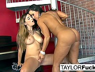 Lesbian Taylor Vixen manages to work together with tanned pornstar Lisa Ann with big breasts 7