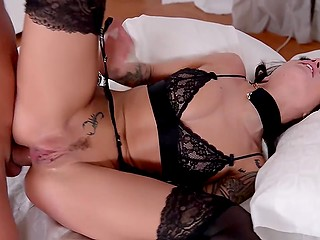 Submissive slut Nikita Bellucci dominated by two men who double penetrate her and surprise with fisting