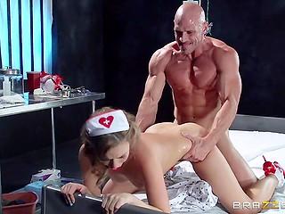 Nurse in red high heels devotes vagina to sex addict patient to make him empty his balls