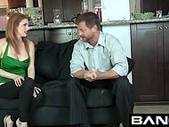 Похотливые мужики возбуждают падчериц с худыми жопами, чтобы посмотреть готовы ли они к сексу 6