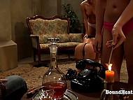 Дива лёгкого поведения жаждала секса и выбрала одну из рабынь для лесбийского траха 5