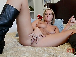 Tanned girl is in possession of vibrator nevertheless it's much better for her to satisfy pussy with fingers