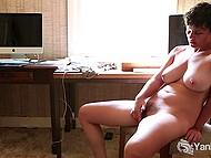 После того, как тёлочка кончила, она не почувствовала удовлетворения и помастурбировала ещё раз 5