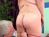 Мастурбация от опытного массажиста приятна для Randi Paige, особенно когда заканчивается оргазмом 4