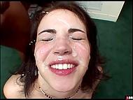 Американской девушке девятнадцать лет и в этом же возрасте она начинает порно карьеру 9