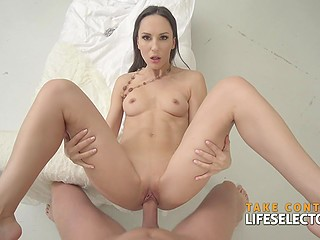 Private detective returns necklace to slender brunette Lilu Moon who rewards him with nice sex