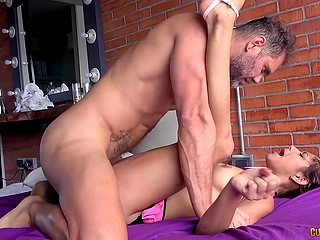 Young Colombian woman comes to porn studio to noble fucker Nacho Vidal to be fucked in tushy