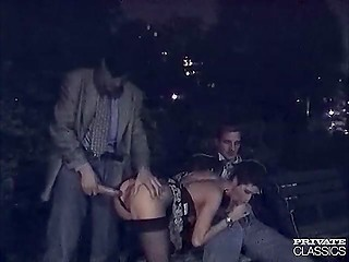 Males and dirty girl found a quiet place in the park to fuck together in the dead of night