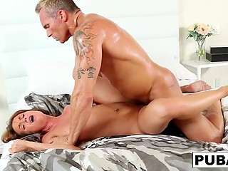 Pumped lover fucks Rahyndee James' pussy so well that drops of sweat cover his body