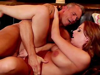 Graying husband cums over hairy pussy of his voluptuous wife in HD porn video