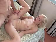 Худощавая блондинка и её парень завершили субботний вечер фантастическим сексом 11
