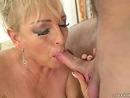 Зрелая блондинка Magdi охотно делится сексуальным опытом с её новым любовником 6