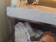 Лесбиянки хотят снять домашнее видео и ванная - отличное место, чтобы сделать это 9
