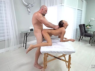 Bald stallion with massive cock tries to do everything possible to make client remember massage for a long time