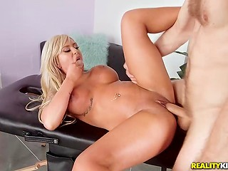 Ravishing blonde boss Brandi Bae forgets about stress thanks to fantastic sex with lucky masseur