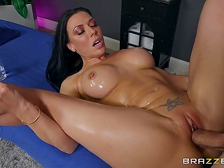 Relaxed cougar with round tits Rachel Starr doesn't mind if bald masseur stretches her tight cunny