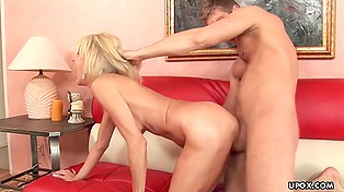 Inexperienced man gets it on with bosomy pornstar bonking her in mouth and hairy pussy