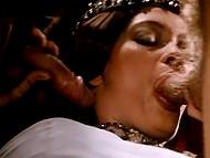 Царица выпивает вина и у неё возникает желание устроить групповые оральные шалости 10