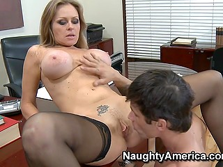 After lesson stunning teacher with round tits Dyanna Lauren tempts student into awesome fuck