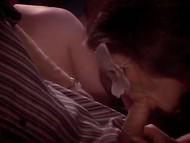 Мускулистые мужики ебут сексуальных шмар с красивыми формами на свингер тусе
