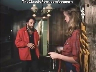 Vintage porn with young girl getting poked