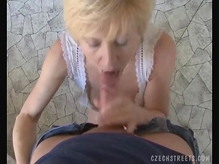 Mature Czech slut sucks a stranger's cock