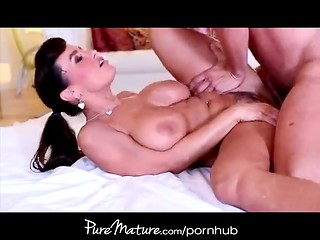 Busty cougar working out her ass and getting ass fucked