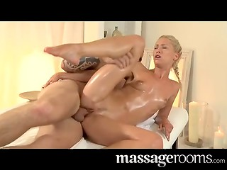 Hot Czech masseuse Uma Zex gives her client the best orgasm he has ever had