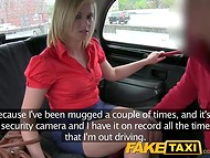 Blonde MILF took a taxi because she didn't know that she have to pay with her mouth and pussy 5