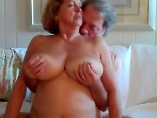 Busty mature gets fingered and banged her old black hole by old fat friend