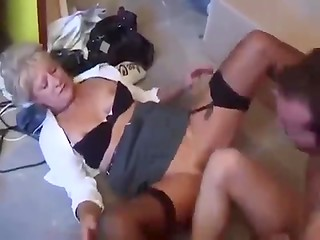Mature whore fucks with worker with her daughter watching on