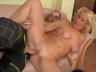 Horny blonde dame seduced and fucked the naive worker