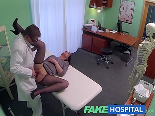 FakeHospital: pretty brunette has leg problems, this health problem sex can cure