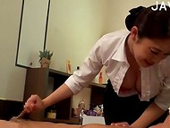 Japanese masseuse with big Breasts will make him long to remember this day