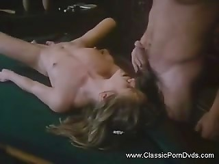Teen blonde enjoys classic sex and cunnilingus with new friend