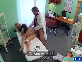 Medical examination turns into the preventive vaginal fucking and fingering procedures