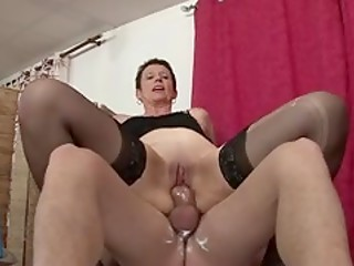 Short-haired French mature Diana gets her pussy shaved and drilled by young guy