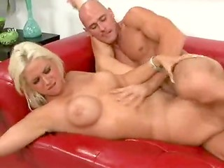 Wonderful blonde babe with awesome body forms organized hot sex with her new partner