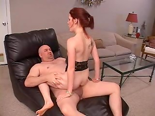 MILF prefers getting drilled in her tight asshole and enjoys warm cum on face